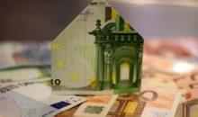 Haus aus Geldscheine